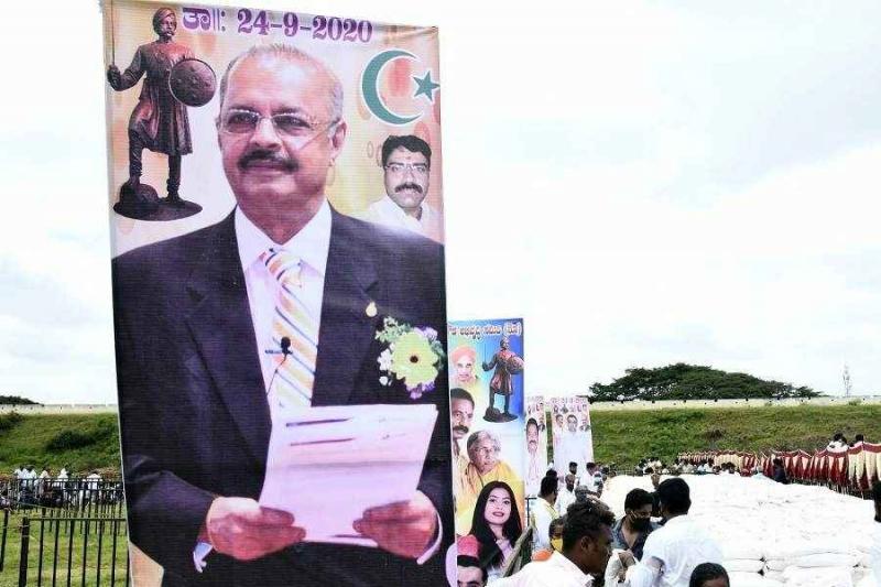 Dr. Majeed Foundation Distributes 5,500 Rice Bags to Needy Communities in Karnataka, India