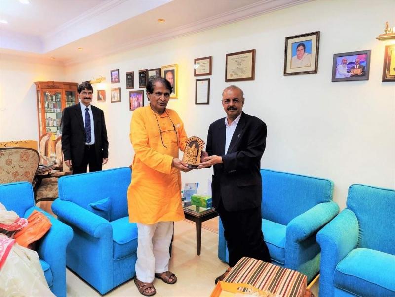 Shri Suresh Prabhu visit at Sami-Sabinsa Group